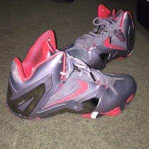 Lebron 11 sneakers